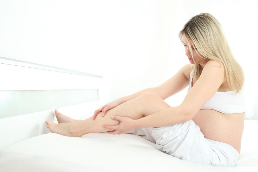 Bolovi u nogama i leđima u trudnoći
