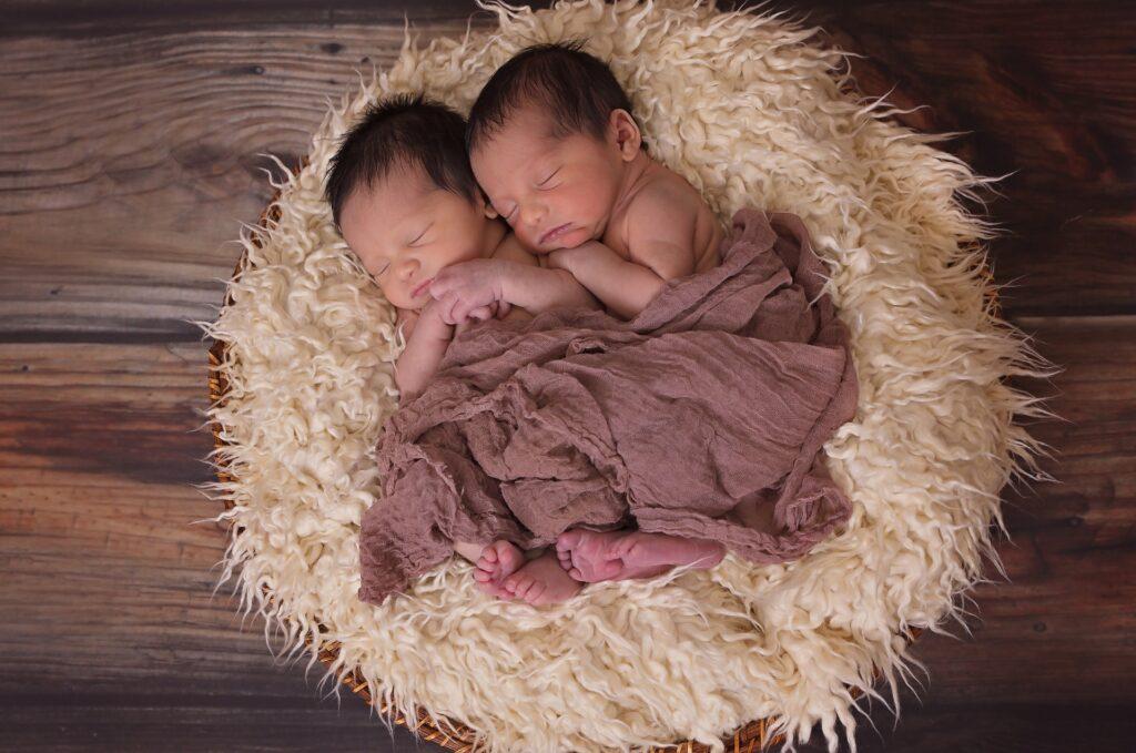Kako zatrudniti sa blizancima